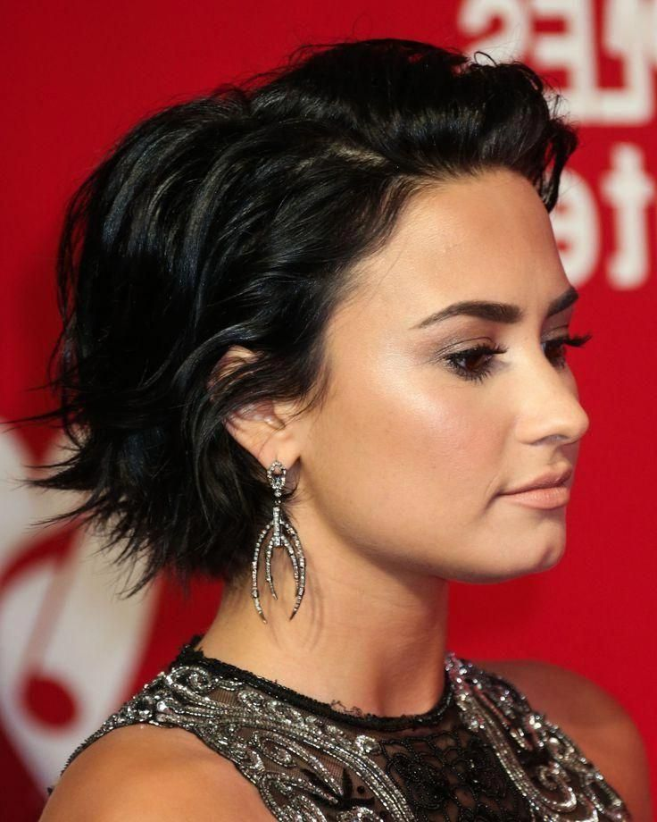 Explore Gallery Of Demi Lovato Short Hairstyles 4 Of 20 Pixiebalayage Demi Lovato Short Hair Demi Lovato Hair Hair Styles