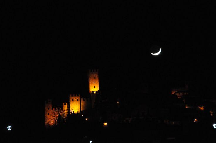 Castell'Arquato e la Luna
