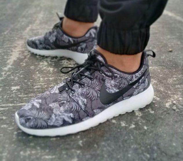 Nike Roshe Run 'Aloha'