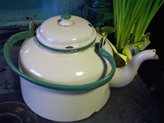 SALE 1930s Farmhouse Kettle Big GREEN and by catsinthecradlesoap
