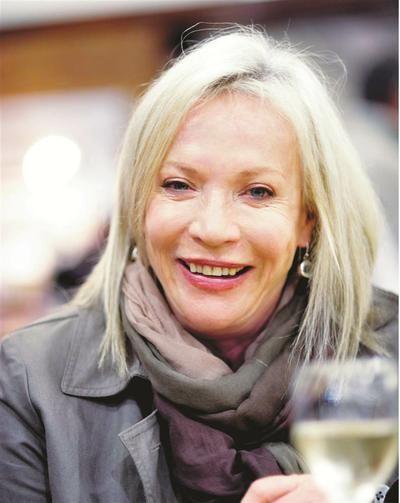Volksblad - vermaak Sandra Prinsloo