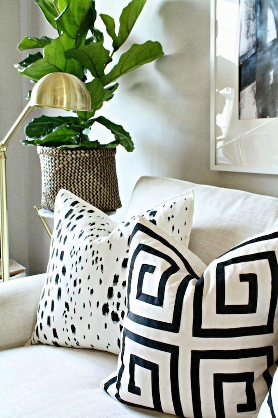 DIY painted black & white pillows #homedecor #interiordesign #art #howto #throwpillow