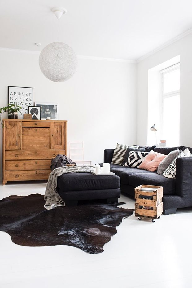 A sitting room / living room in a home in Helsinki, Finland. My Scandinavian home. | @andwhatelse