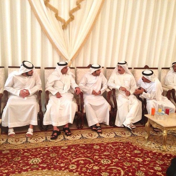أثناء أداء العزاء لعائلة نائب قائد شرطة دبي ... - @s_yaber- #webstagram 7-13