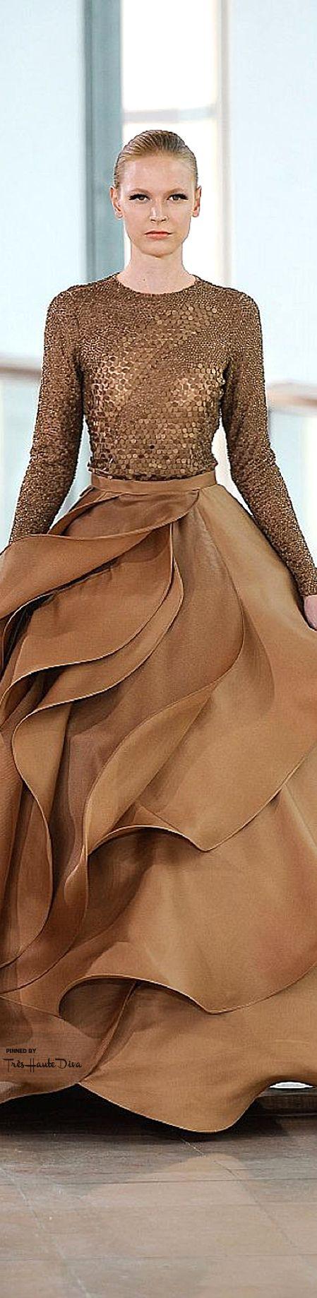 Stephane Rolland Spring 2015 Couture ♔THD♔ Handmade Handbags & Accessories - amzn.to/2ij5DXx Handmade Handbags & Accessories - amzn.to/2iLR27v More Clothing, Shoes & Jewelry - Women - handmade handbags & accessories - http://amzn.to/2kdX3h7