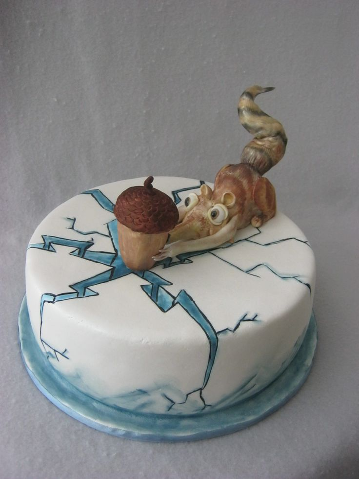 Ice Age 4 cake - Handmade  figurines and hand painted cake.  I want this for my birthday!
