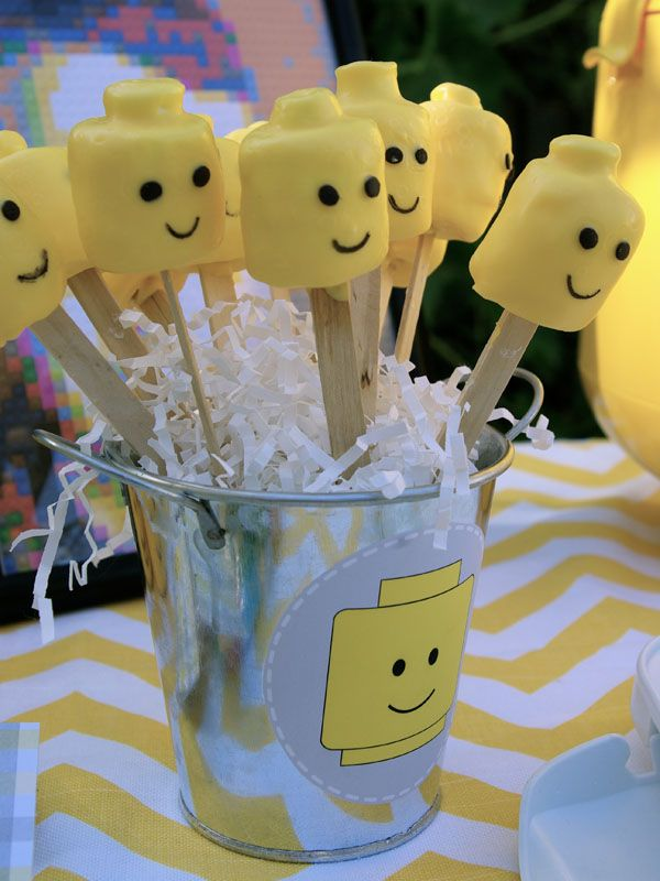 Oleander and Palm: Lego Themed Party
