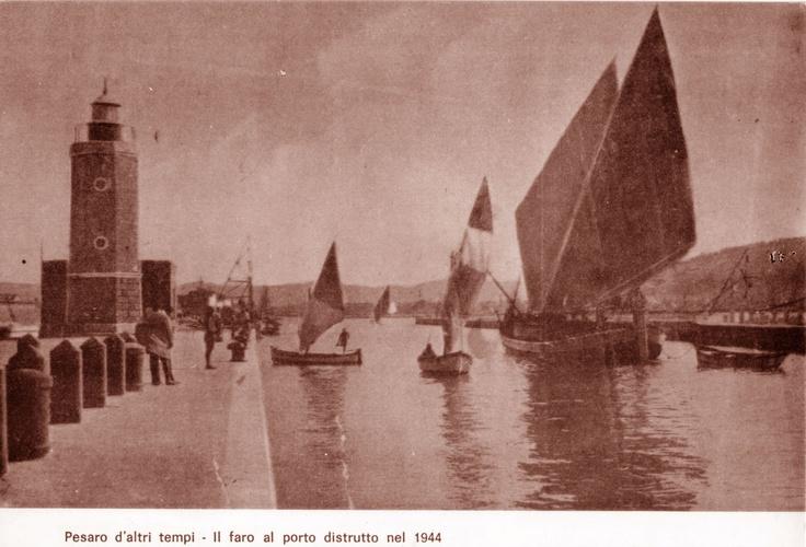 Porto con il faro, distrutto nel 1944