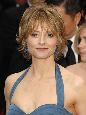 Jodie Foster --  Paternal 9th cousin 1x removed, through Robert Treat and Jane Tapp (other mutual paternal ancestors include: John Alden and Priscilla Mullins). Also maternal 10th cousin 1x removed, through John Howland and Elizabeth Tilley.