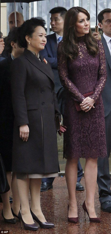 dailymail: Chinese State Visit to Great Britain, Lancaster House, Day 2, October 21, 2015-First Lady Peng Liyuan and the Duchess of Cambridge
