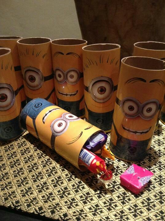 despicable me minion birthday party favors using toilet paper rolls