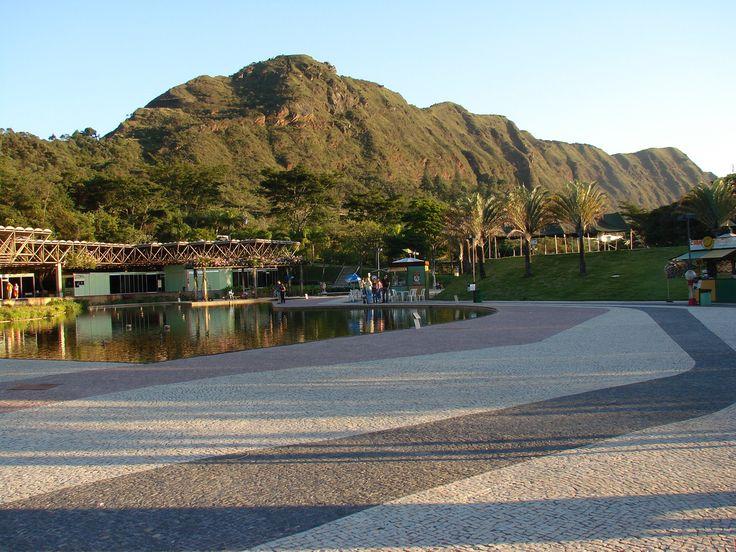 Serra do Curral vista de dentro do Parque das Mangabeiras -Belo Horizonte -Minas Gerais -Brasil