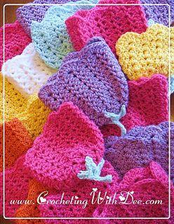 .Tulip Preemie Cap ~ free pattern from Ravelry. ✿⊱╮Teresa Restegui http://www.pinterest.com/teretegui/✿⊱╮