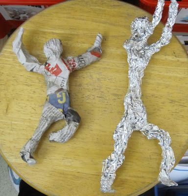 Tinfoil people 3-D art lesson. Fantastic art lesson for students that let's their creativity shine. Lots of differentiation opportunities available.  This would be great in a middle or high school special education art classroom.