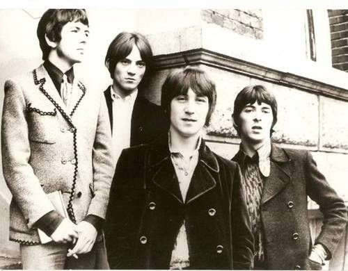 The sharply dressesd Small Faces