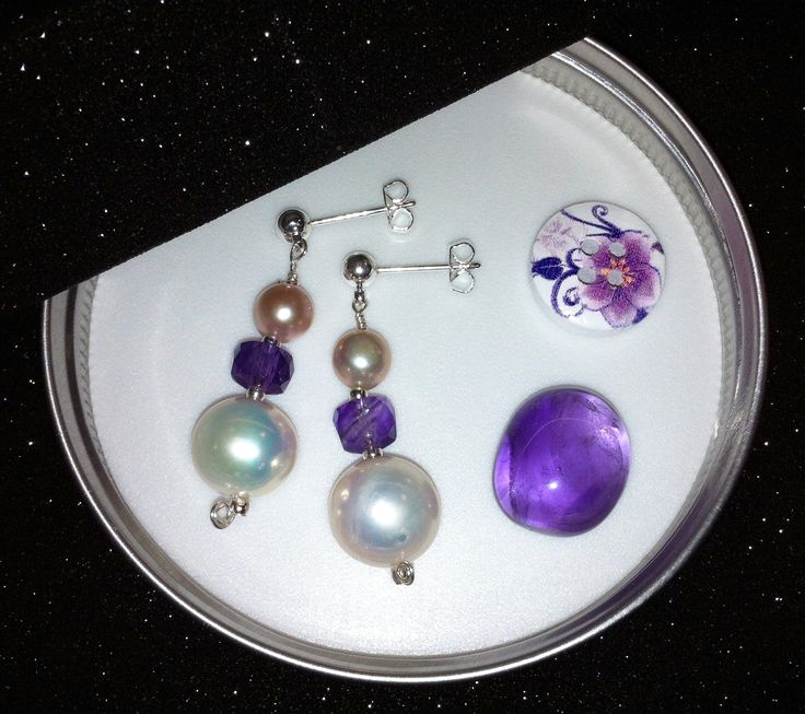 Amethysts and pearls earrings