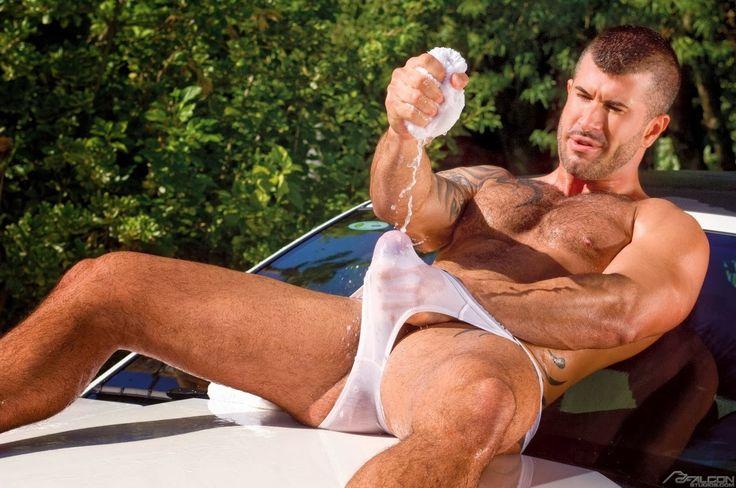nude-men-washing-cars-you-porn-ludwica-paleta