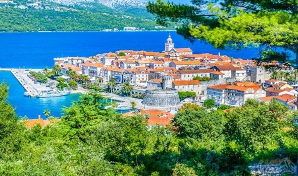 الشواطئ والجزر وجهتكم الأوروبي ة الأمثل في دوبرو فينيك Beautiful Islands Croatia Travel Croatia Holiday