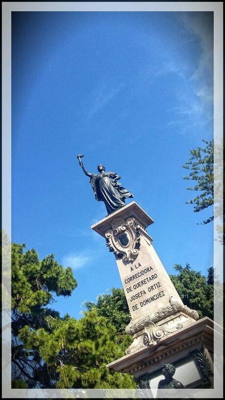Monumento a Josefa Ortiz de Domínguez