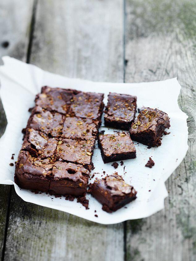 very dark chocolate brownies | ZTRDG magazine