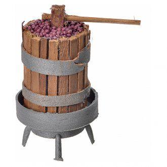Torchio in legno con uva per presepe h 9,5 cm | vendita online su HOLYART