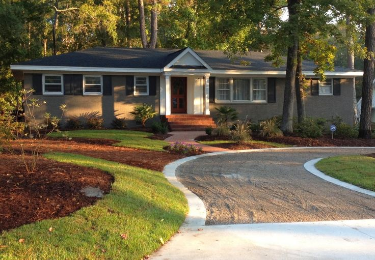 Best 25 ranch house landscaping ideas on pinterest - Front porch designs for brick homes ...