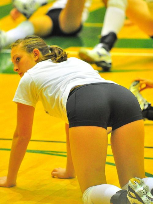 Female volleyball players asses-9707