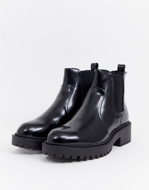 54cb9f14901d New Look Chunky Flat Chelsea Boot in 2019