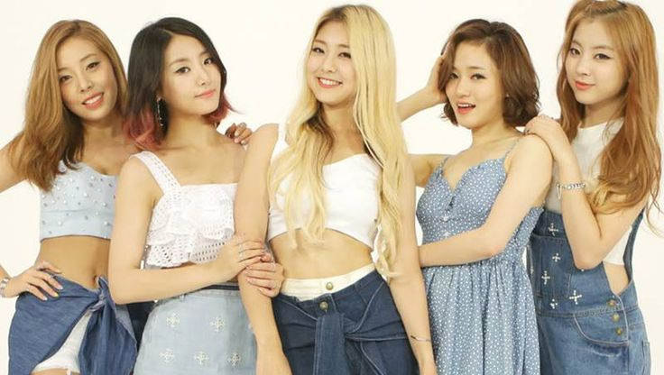 Ladies' Code talk about dating, kissing, and being like the Wonder Girls | http://www.allkpop.com/article/2014/08/ladies-code-talk-about-dating-kissing-and-being-like-the-wonder-girls