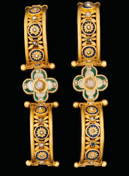 pair of gold, lapis lazuli, glass and pearl bracelets, Byzantine, circa 5th-7th Century A.D.