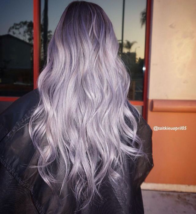 Don't know if I could pull this off at my age but it's gorgeous