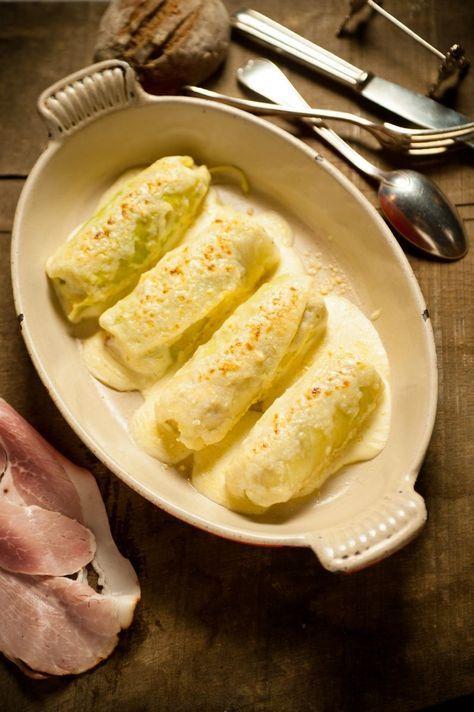 Gevulde witte kool met beenham  http://www.njam.tv/recepten/gevulde-witte-kool-met-beenham