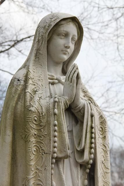 (via Virgin Mary statue» Saint MaryCollege, Notre Dame, IN)