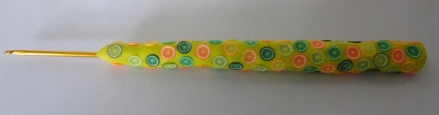 Crochet Hook Handmade Handles Yellow with Citrus Fruits 2.5mm £3.50