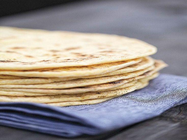 Baka eget tortillabröd, ett enkelt sätt att lyxa till tacomiddagen! Dessa passar dessutom alla, då de är gluten-, mjölk- och äggfria. Recept hittar du här.