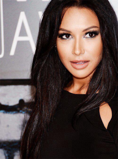 Naya Riveras makeup is gorgeous