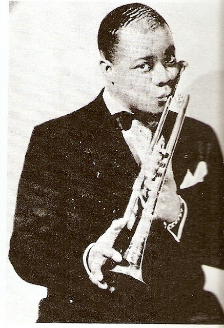 a biography of louis armstrong a jazz musician Armstrong's lowly background in new orleans was typical of many first generation jazz musicians born in a slum, louis louis armstrong in jazz musician to.