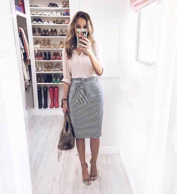 @lillydemello seersucker skirt