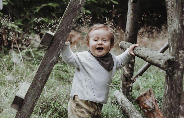 Familienglück – Kuschelzeit   Fotostudio Schwarzenbach  liebe familie natürlich fotoshooting boho studio smile happy oberfranken hof kinder eltern outdoor natur familienfotografie