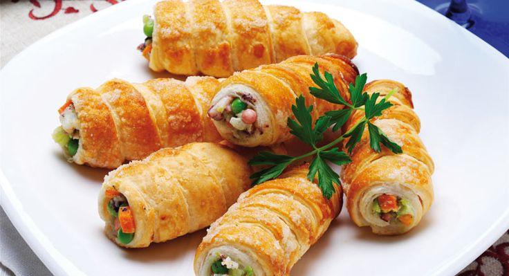 Cannoli con insalata russa di mare: una ricetta ideale per preparare sfiziosi finger food da offrire ad amici e parenti