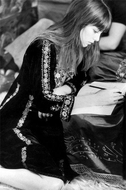 Wow Ines doit être en congé , c' est le délire photos des années 70 ( Excellent!) j'profite pour lui piquer celle ci : J' Adore !