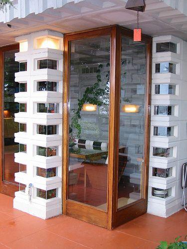 Frank Lloyd Wright: Corner Doors - Tracy House