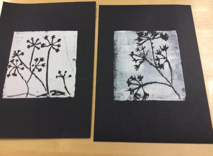 """""""Talventörröttäjät"""" (2.lk) Kuva hahmoteltiin ensin paperille, sitten piirrettiin Press-Print -levylle. (Sari Ruohomäki / Alkuopettajat FB -sivustosta)"""