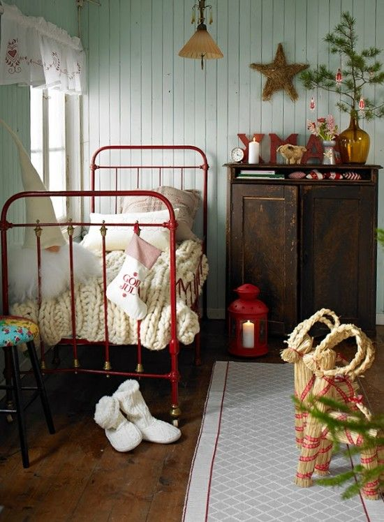 Scandinavian childrens bedroom at Christmas www.apartmentapothecary.com