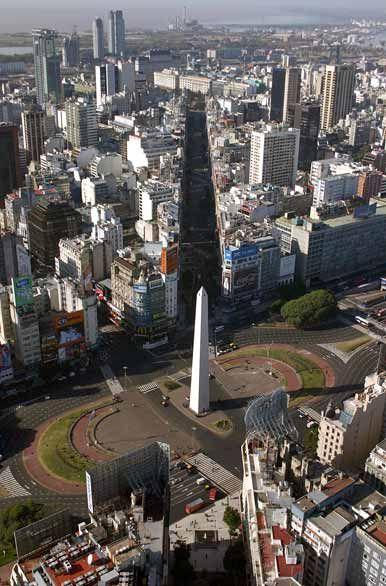 Diagonal Norte en Corrientes y 9 de Julio, cruzando el Obelisco  Buenos Aires  Argentina