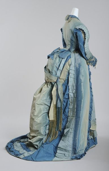 Visiting dress, 1870-73. Wien Museum.