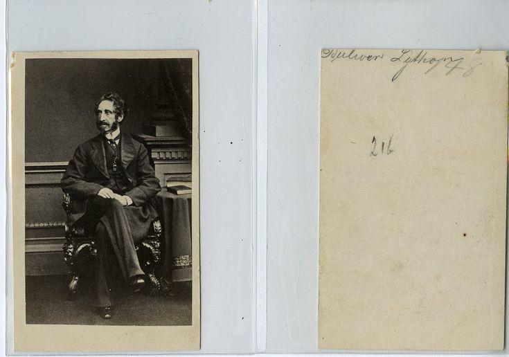 Edward Bulwer-Lytton, English novelist, poet, playwright, and politician    #CDV #portraits #Hommes_et_Femmes_de_lettre