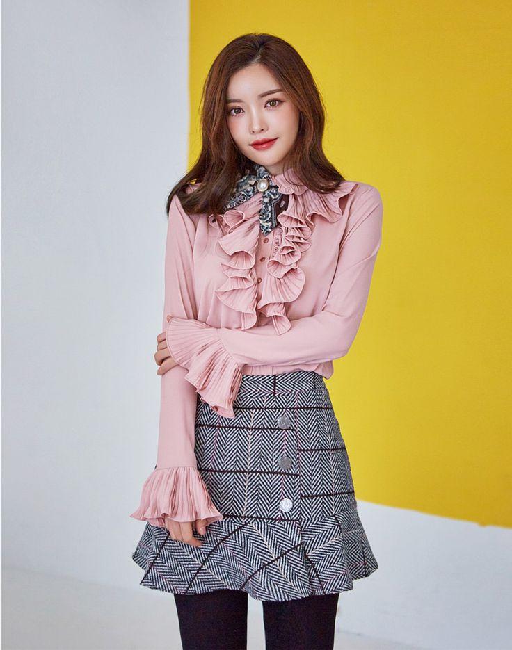 Ruffled Detail Blouse CHLO.D.MANON   #pink #cute #ruffle #blouse #dailylook #feminine #koreanfashion #kstyle #kfashion #falltrend #seoul