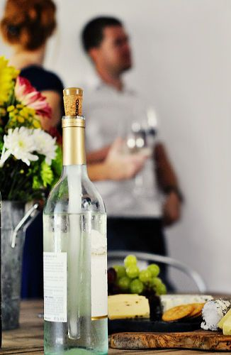 corksicle wine chiller. NEED to do this.Corkcicle Wine, White Wines, Wine Cold, Gift Ideas, Wine Chiller, Gift Galore, Christmas Gift, Products, Hostess Gift