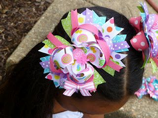 Great blog full of hairbow tutorials